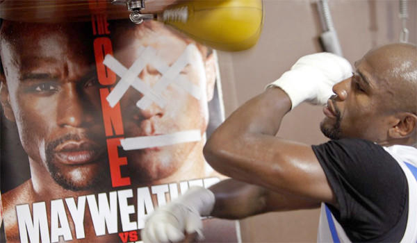 """Floyd Mayweather Jr. trains for his upcoming match against Saul """"Canelo"""" Alvarez in Las Vegas."""