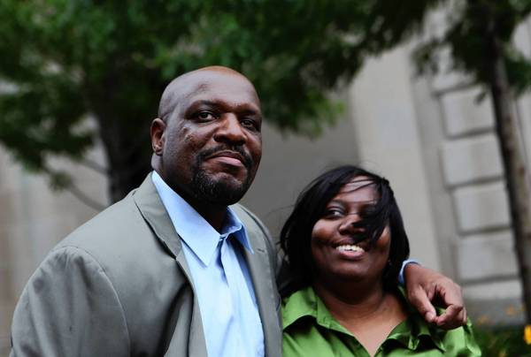 Marvin Reeves, with Sonya Reeves, walks out of Cook County Jail in 2009, when he and former co-defendant Ronald Kitchen were released from custody. Reeves and Kitchen each spent more than two decades in prison for a 1988 quintuple homicide but were later granted certificates of innocence and alleged they were victims of police torture.
