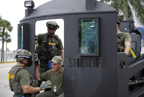 Fascist Florida SWAT Team Runs Terrorism Drill With Sovereign Citizens In Their Gun Sights