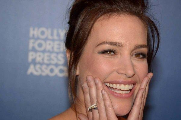 """Covert Affairs"" star Piper Perabo is engaged."