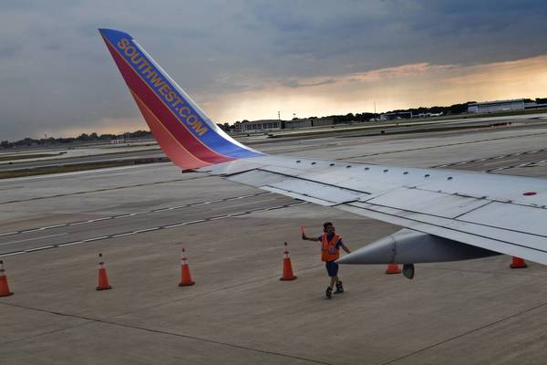 Midway's landlocked site and its reliance on a single company, Southwest Airlines, were among the problems for companies considering taking over the airport.