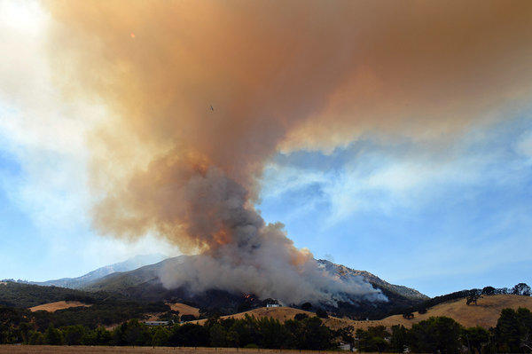 A 400-acre vegetation fire burns Sunday on the east side of Mount Diablo along Morgan Territory Road in unincorporated Contra Costa County in Northern California.