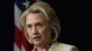 Clinton offers qualified support for Syria chemical disarmament proposal