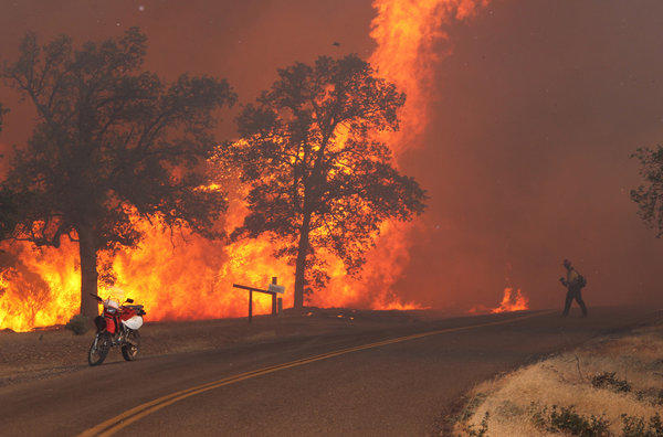 The Clover fire burning in Anderson, Calif., in Shasta County.