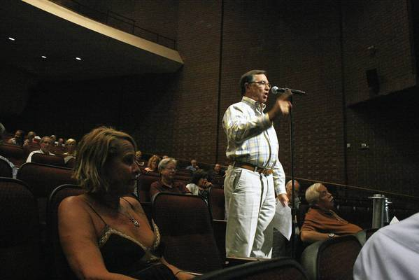 Northbrook resident Curt Rodin criticizes the village's traffic study of the area around the intersection of Skokie Boulevard and Dundee Road during the Northbrook Plan Commission meeting on Sept. 9. Rodin, who lives on nearby Voltz Road, said the study was selective and failed to consider the added traffic on Voltz Road.