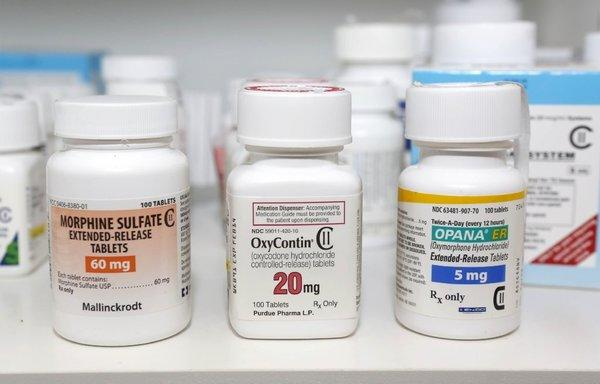 Opioid narcotic labels