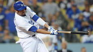 Scott Van Slyke's home run propels Dodgers past Diamondbacks, 5-3