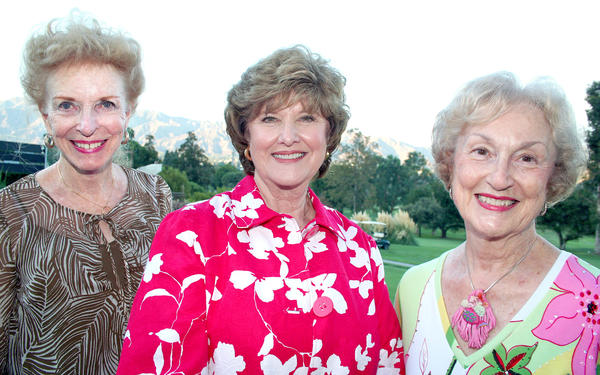 Las Candelas' Summer Party movers and shakers were, from left, Co-Chairmen Dianne Russell and Bobbie Gangi assisted by Marilyn Butler.