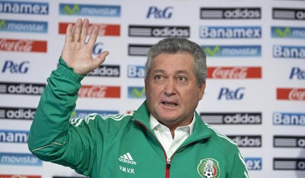 Victor Manuel Vucetich is introduced as Mexico's new national team coach during a news conference Thursday.