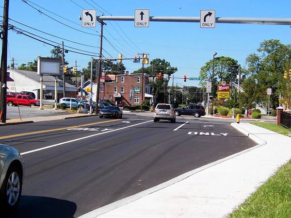 Improvements at the intersection of S. Fourth Street and Emmaus Avenue included widening to accommodate this right-turn lane on westbound Emmaus Avenue.