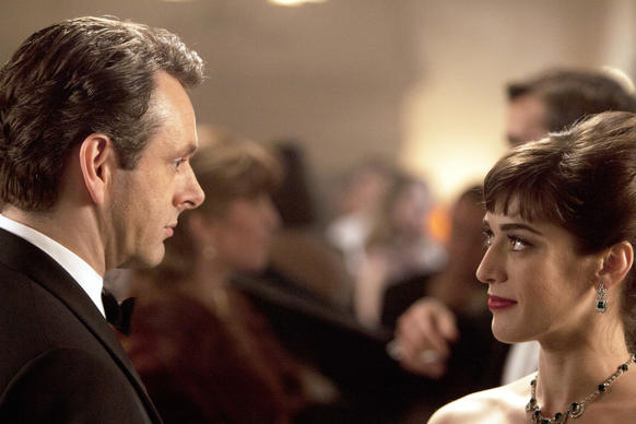 "Lizzy Caplan as Virginia Johnson and Michael Sheen as Dr. William Masters in ""Masters of Sex."""