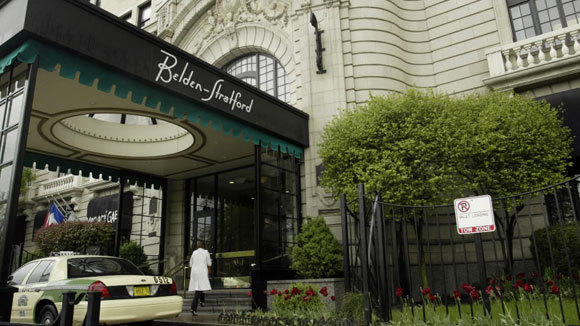 The entry to the Belden-Stratford in Lincoln Park in a 2006 file photo.