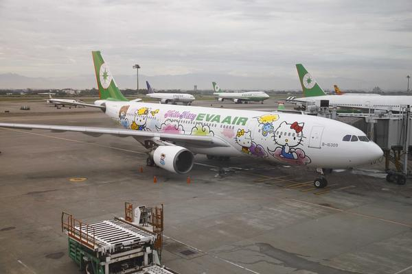 A Hello Kitty jet, similar to this plane, will soon offer regular service from Los Angeles to Taipei.