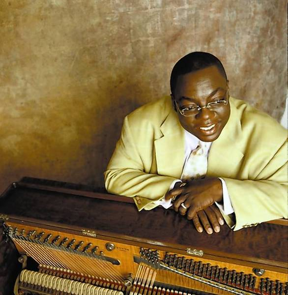 Cyrus Chestnut plays Saturday, Sept. 21, at 8 p.m. in a free community concert at the Artists Collective.