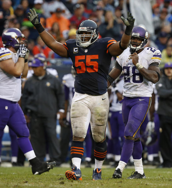 Chicago Bears outside linebacker Lance Briggs celebrates during Sunday's game against the Vikings.