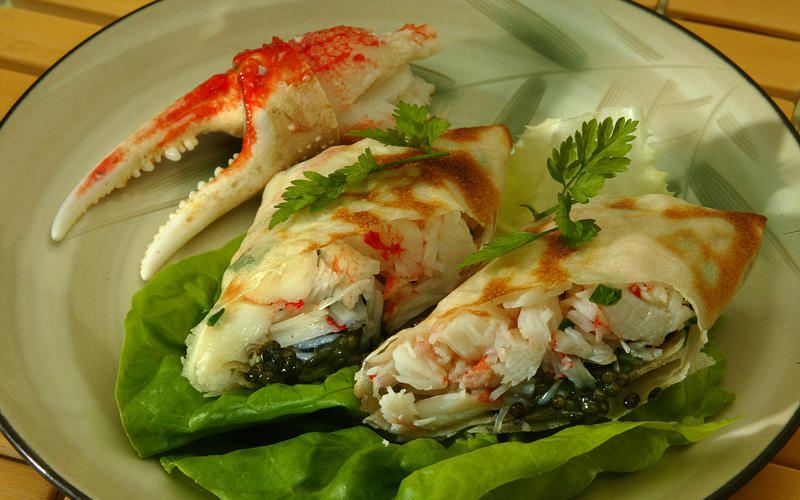 Snow-crab rolls with caviar