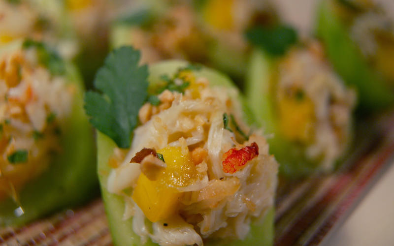Cucumber, crab and mango hors d'oeuvres