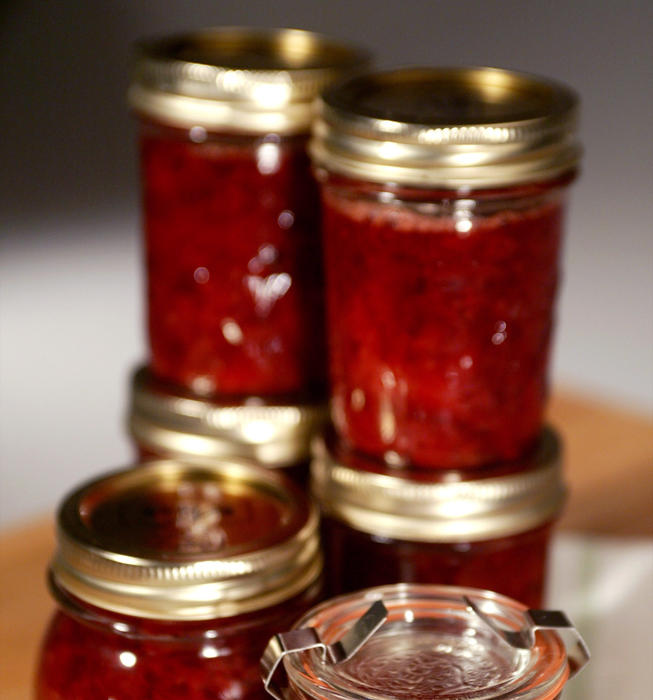 Slow-cooked strawberry preserves