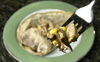 Shiitakes and corn en papillote