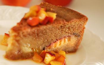 Cinnamon nectarine cake