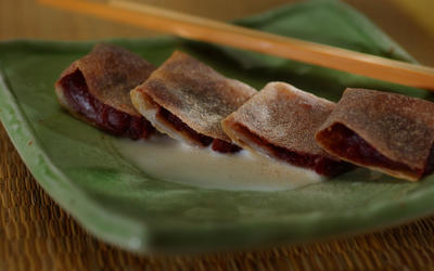 Red bean pancake with coconut sauce