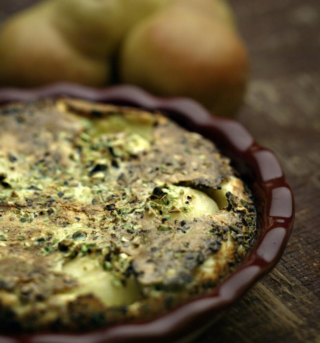 Pear clafouti with pistachios