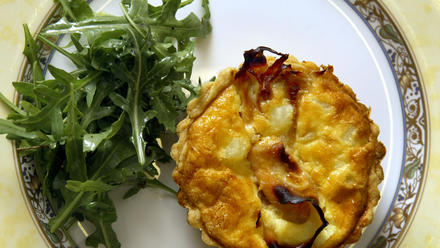 Ham and potato quiche