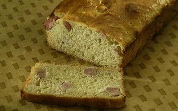 Brioche with lardons