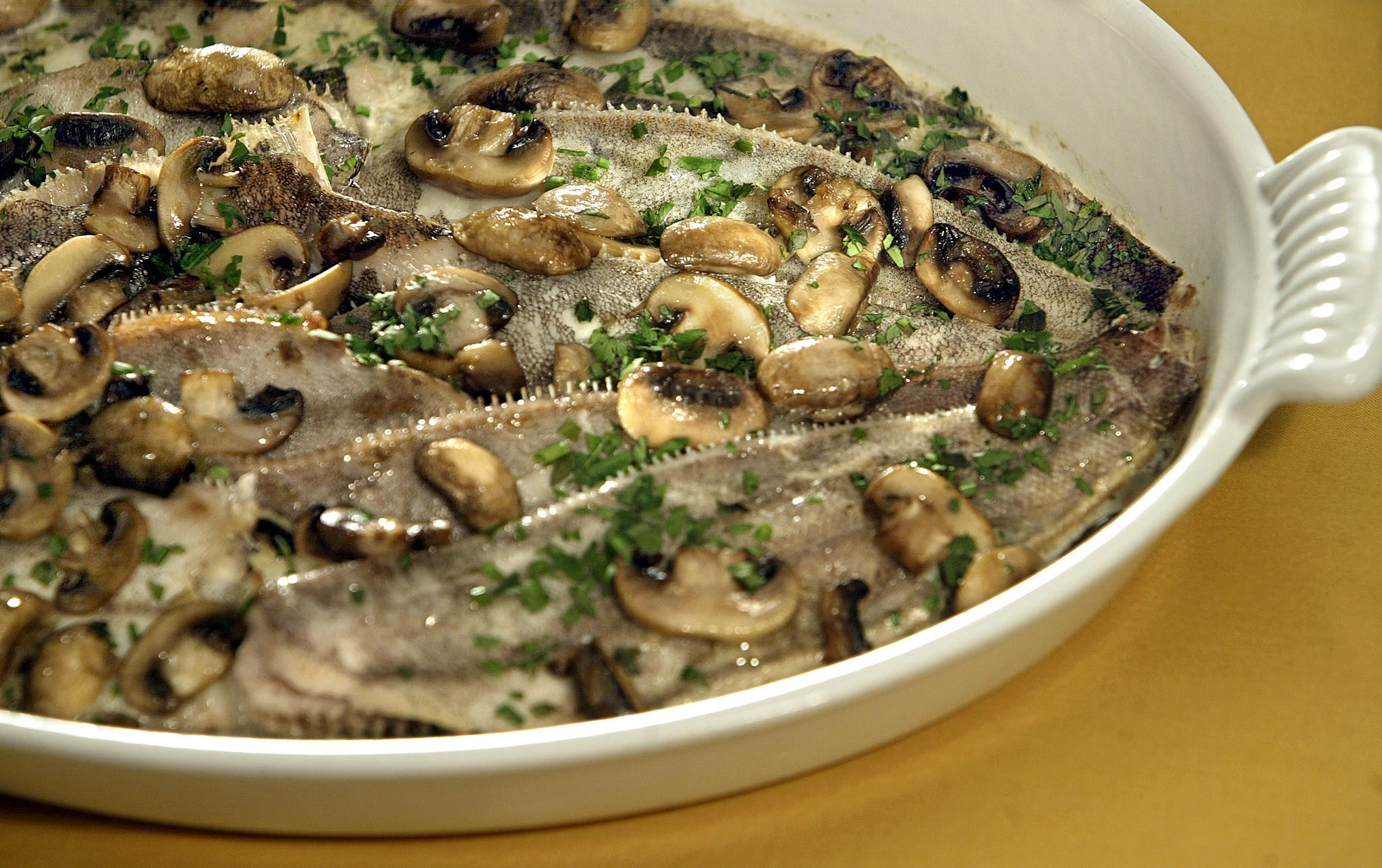 Recipe rex sole baked with mushrooms and cream for Sole fish nutrition