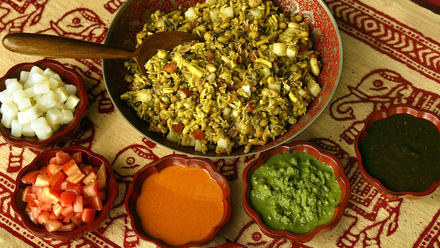 Bhel puri (Snack mix with vegetables)