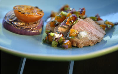 Pork tenderloin with grilled apricot salsa