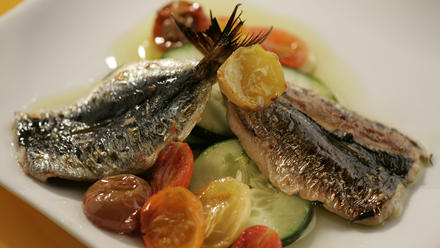 Grilled sardines with confited tomatoes