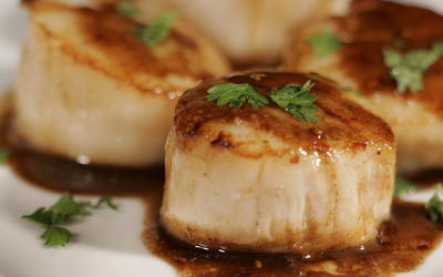 Balsamic-glazed scallops