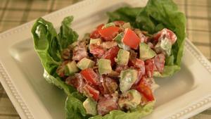 Tomato-bacon-avocado salad