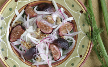 Fennel and red onion salad with pickled figs