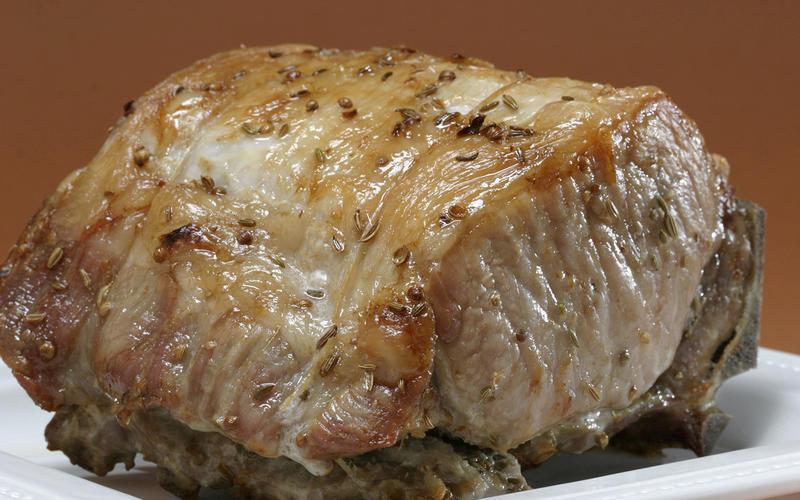 Standing rib roast of pork