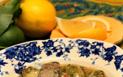 Daube d'agneau aux artichauts (Lamb daube with green olives, white wine and baby artichokes)