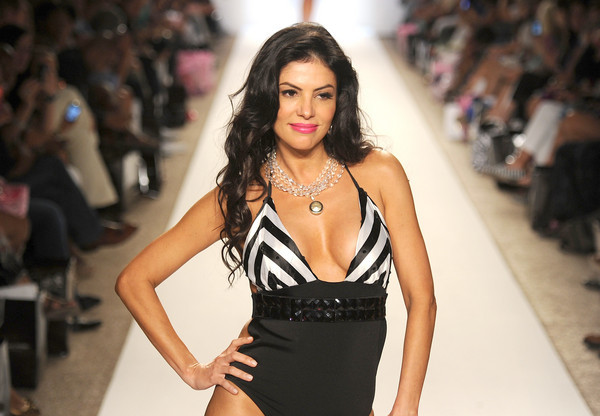 <b>Photos:</b> Mercedes-Benz Fashion Week Swim - Nicolita: Adriana DeMoura