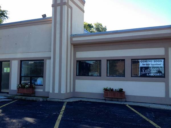 The owner of Lundeen's Liquors met with the St. Charles Liquor Commission on Monday to discuss the option of adding a drive-through window to its new location at 1315 W. Main St.