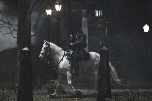 "Fox's ""Sleepy Hollow"" averaged more than 10 million viewers in its debut Monday. But Fox said it expects the viewership number to grow to 15-16 million after 30 days."
