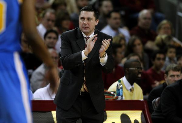 Bob Cantu, shown coaching USC in February, will be working as an assistant for another former Trojans coach, Tim Floyd, at UTEP.
