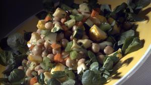 Garbanzo and fresh vegetable salad