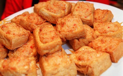 'Pile of Gold' tofu stuffed with shrimp