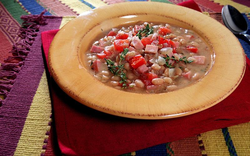 White Bean, Tomato and Ham Soup