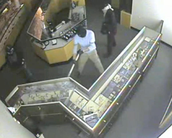 The Seminole County Sheriff's Office released video showing three suspects burglarizing a Jared Jewelers in Oviedo on Sept. 17, 2013.