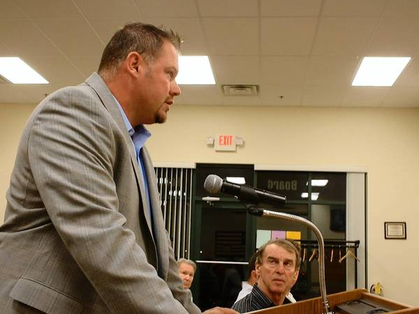 The owner of Illinois Dotty's, Dan Fischer, stands before the Homer Glen Plan Commission at its Sept. 16 meeting.