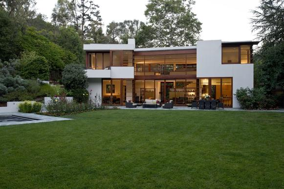 Designed by architect Steven Ehrlich, the Modernist house has 9,000 square feet of living space.