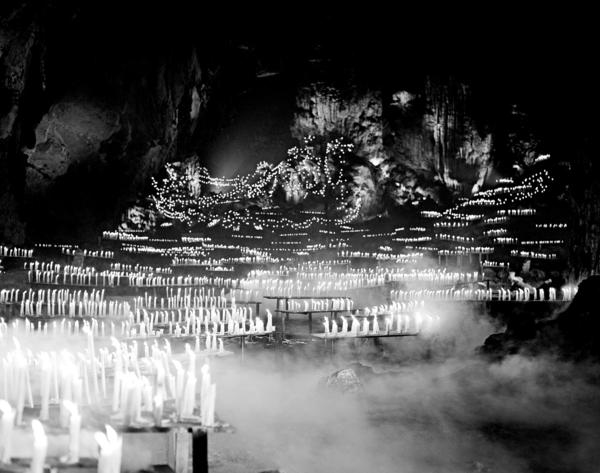 "The dramatically lighted caves of Cacahuamilpa in the film ""Macario"" are an example of the craftsmanship of Mexican cinematographer Gabriel Figueroa."