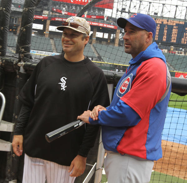 Sox manager Robin Ventura and Cubs manager Dale Sveum.