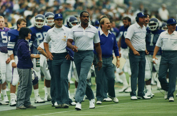 Northwestern coach Francis Peay on the sidelines in 1986.